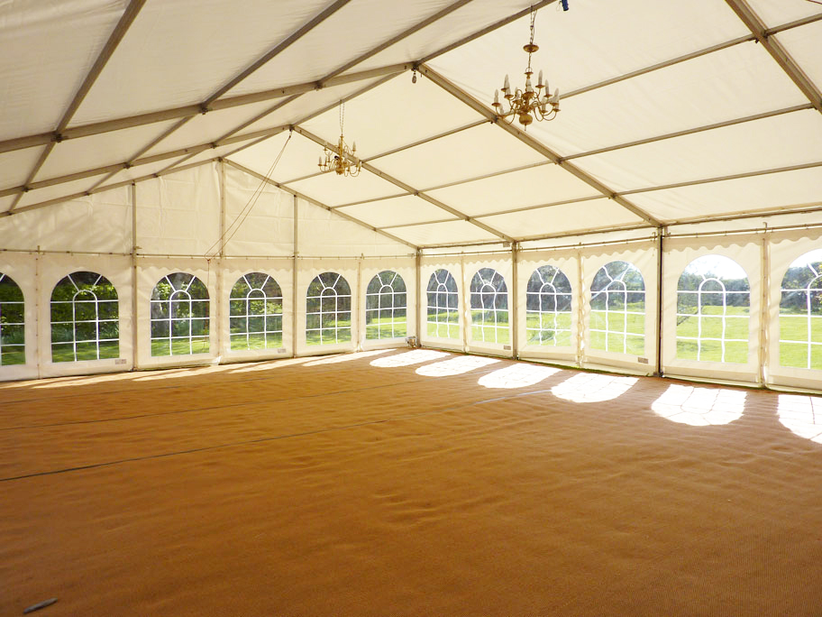 9m clearspan marquee with matting